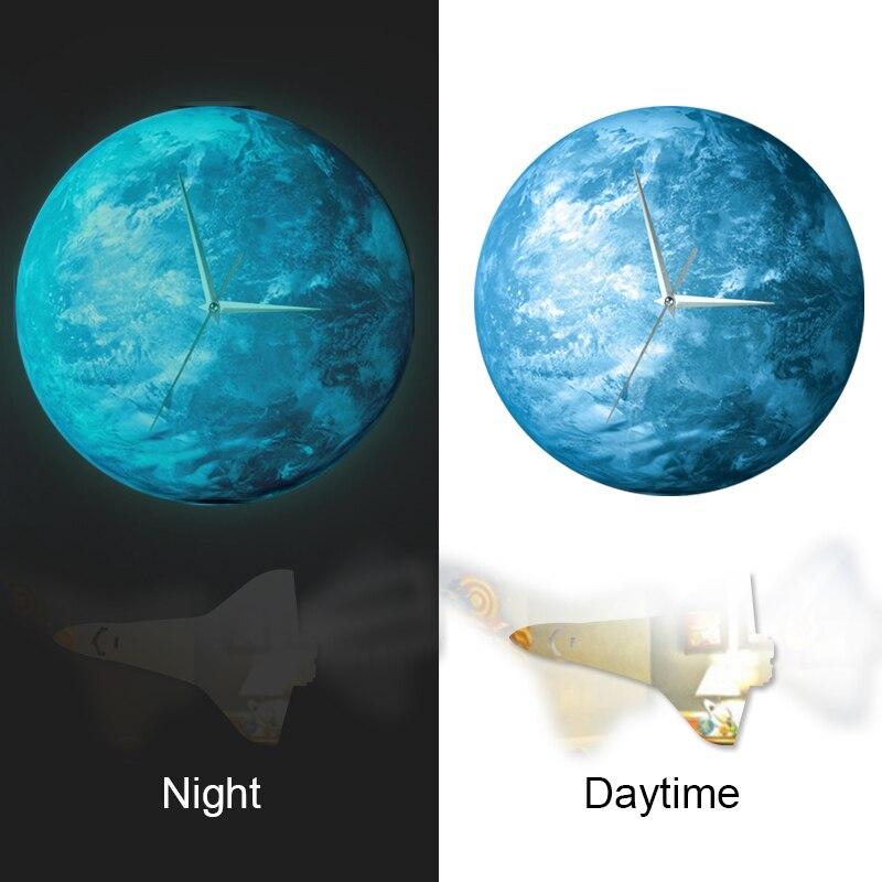 Funlife (mc) lueur dans la terre sombre horloge murale, Funlife Creative Modern brillant dans la terre sombre horloge murale avec vaisseau spatial Pendu