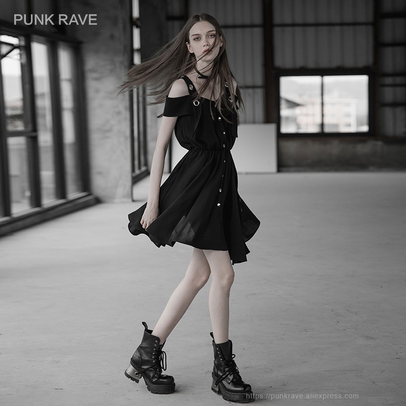 PUNK RAVE ใหม่ผู้หญิงสีดำ Off   ไหล่ตาไก่   สายรัดกด studs ด้านหน้าปิดชุด Suspenders เสื้อสไตล์ชีฟอง-ใน ชุดเดรส จาก เสื้อผ้าสตรี บน   1