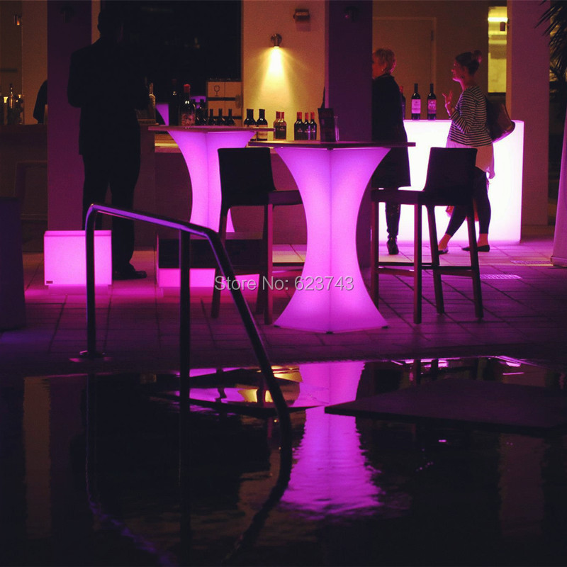 H110CM Plastic Mange Debout Lumineux LED Multicolor SQUARE LED High Cocktail Bar Table With Rechargeable Battery Remote Control