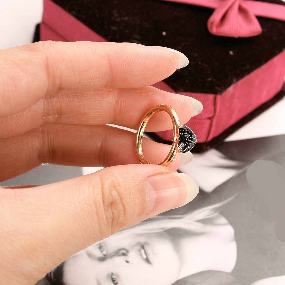 Punk Wholesale Sales 2017 Fashion New Ring Girl Wild Black Super Flash Love Ring Ladies Rings For Woman