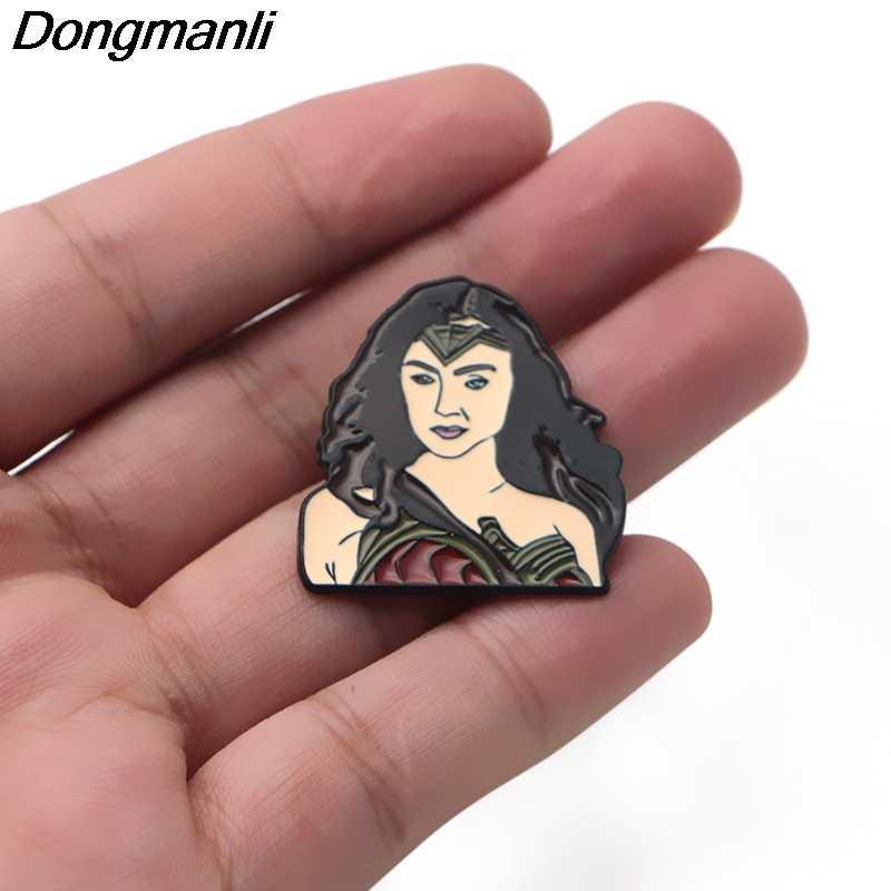 P2626 Dongmanli Mulher Maravilha Esmalte Pins e Broches para Mulheres Dos Homens de Lapela pin crachá mochila Superhero coleção