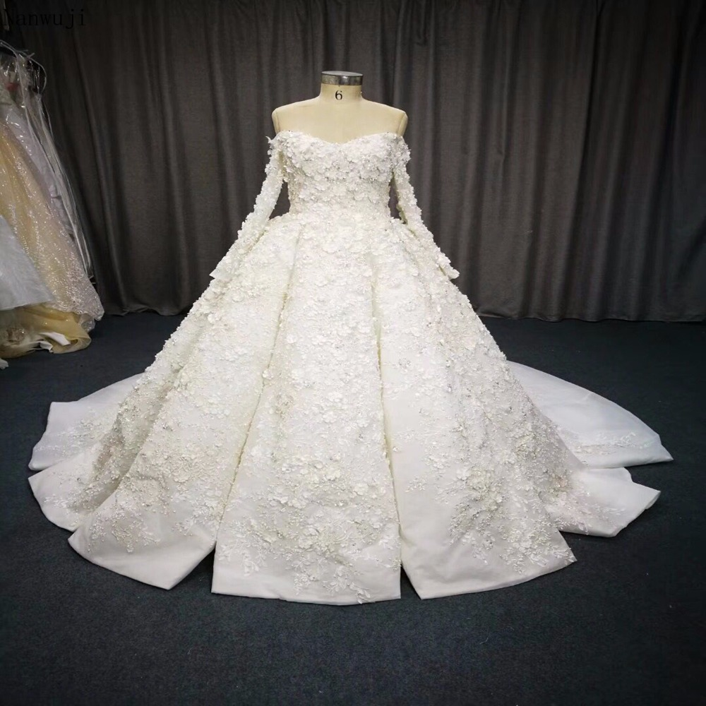 Vestido De Noiva Sweetheart Neck Lace Ball Gown Wedding Dresses 2018 Long Sleeve Embroidery Beaded Vintage Bridal Gown Plus Size in Wedding Dresses from Weddings Events