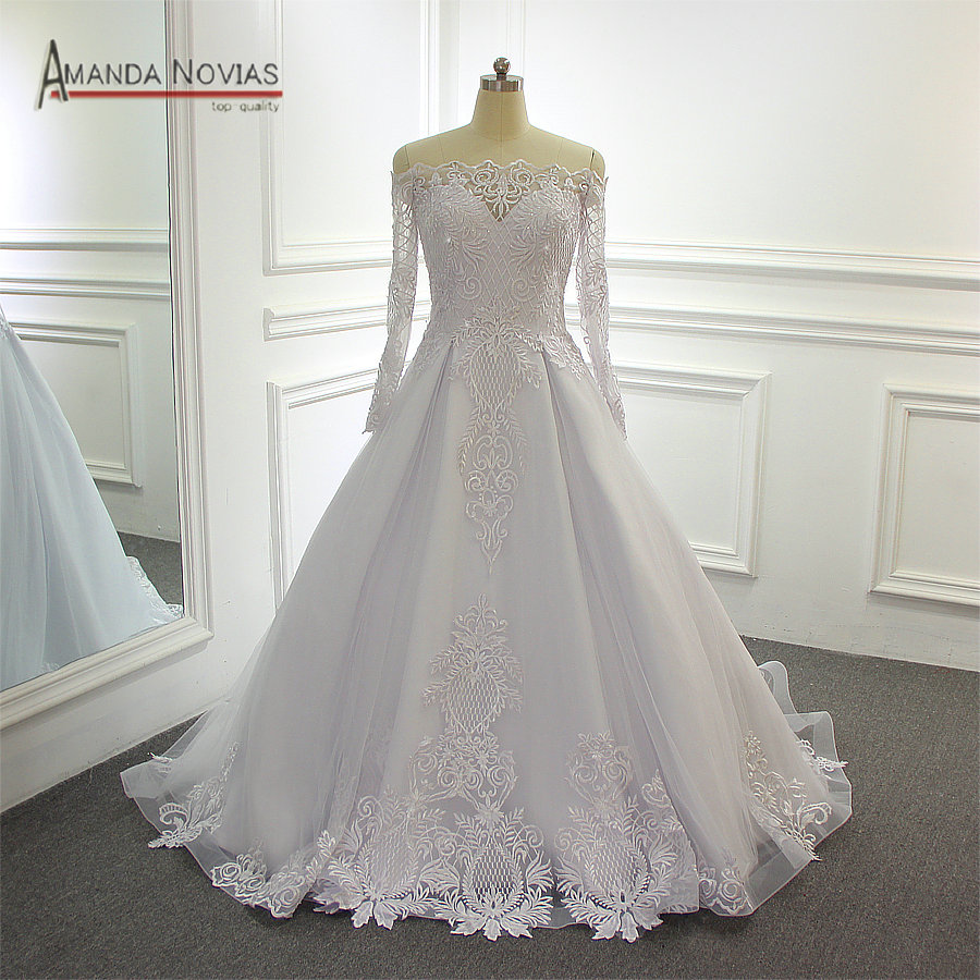 Elegant Wedding Gown With Sleeves: Simple But Elegant Off The Shoulder Lace Sleeves Wedding