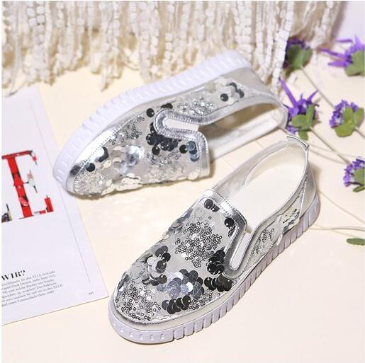 New style women flats slip-on bling decoration silver shoes women casual lofers ladies air mesh breathable glitter shoes flats fashion women casual shoes breathable air mesh flats shoe comfortable casual basic shoes for women 2017 new arrival 1yd103