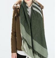 Di alta qualità 2015 donne za inverno molla nuove donne di modo verde a righe sciarpa di lana femminile-mescola la sciarpa avvolge con nappe