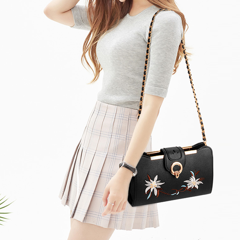 71948f3698 Women s Bag Female Flower Embroidery Handbag for 2018 New Luxury ...