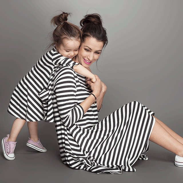 ddec63c18d Family Style Set Striped Clothing Mother Daughter Matching Dresses Mom and Daughter  Dress Clothes Parent-Child Clothing HZ00