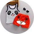 O Envio gratuito de 2 pçs/set Bebê Recém-nascido Conjuntos de Roupas para 7-24 M Marca Roupa Dos Miúdos 100% Algodão Sem Mangas de Base Panda Camisa + shorts