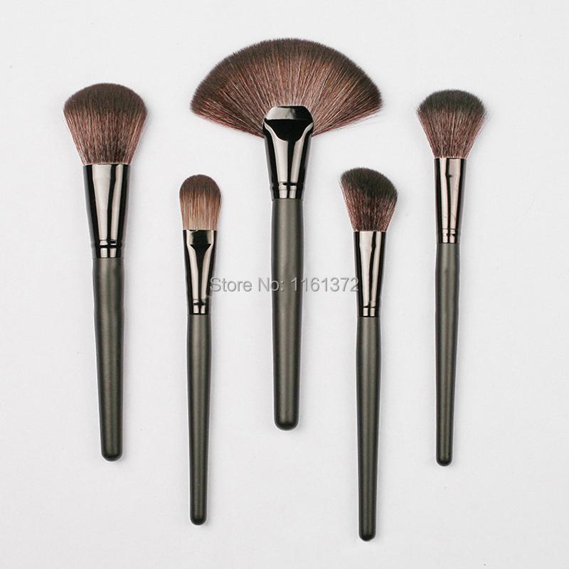 Make-up-Brush-Kit (7).jpg