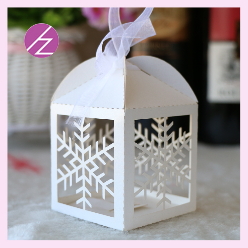 50psclot Happy Merry Christmas carved laser cut christmas snowflake mini cake bags paper box wedding party favor bag gift box