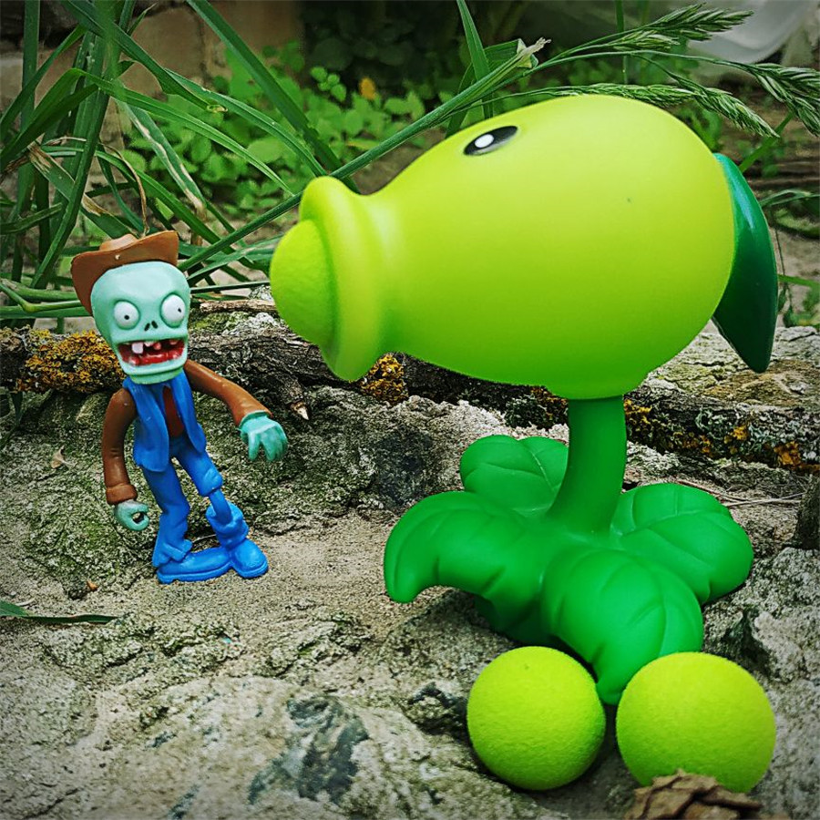 2~4 PVZ sets of combination Plants vs Zombies figures toys vivid pea sunflower toy Peashooter PVC Gifts Toys