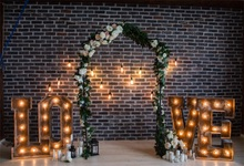 Laeacco Love Bulb Arc Door Flowers Brick Wall  Photography Backgrounds Customized Photographic Backdrops For Photo Studio