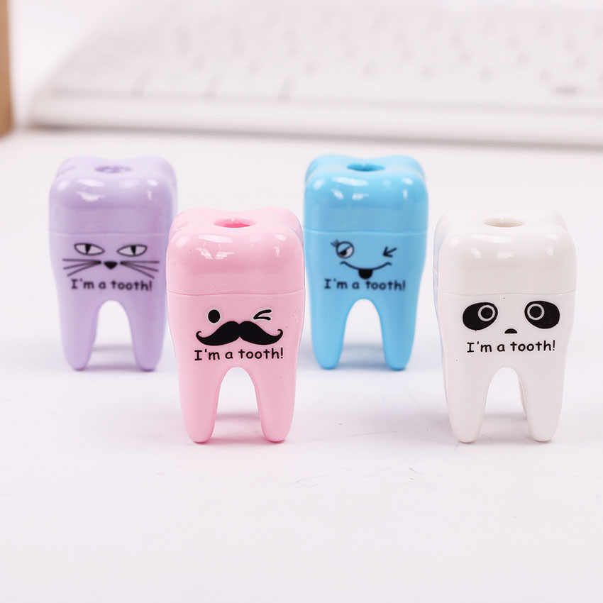 Creativo Kawaii Denti Di Plastica a Forma di Temperamatite Cutter per il Regalo di Studente di Cancelleria 4 Colori Casuali