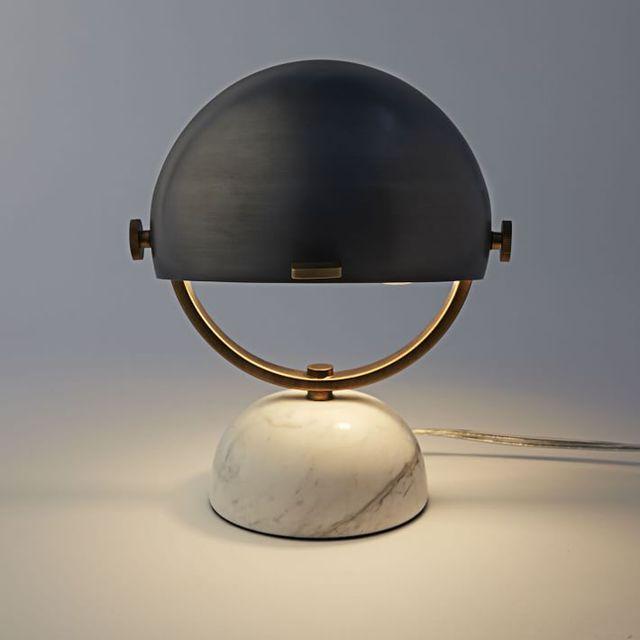 simple moderne lampe de table en marbre noir designer. Black Bedroom Furniture Sets. Home Design Ideas