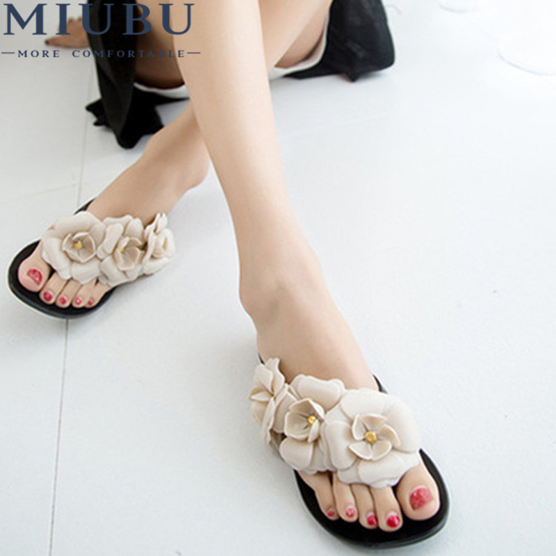 MIUBU New Summer Hot Women Sandals With Beautiful Camellia Flower Sweet Flip Flops sweet women s sandals with color block and flower design