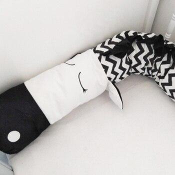цена на Baby crib bumper cot protector 3D cartoon animal head guard bumper nursery bedding bumper protection for crib black-white zebra