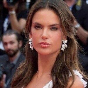 Image 2 - GODKI Celebrity ulubione luksusowe liście liści kolekcja kwiatów pełne mikrosześciany z cyrkoniami betonowa ślubne kolczyki ślubne dla kobiet