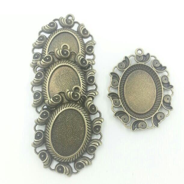 Se encaixa 18x25mm Bronze Antigo Cameo, vidro, Quadro Cabochon Configurações do Painel Frontal, Charme Pendant fit 10 pcs T618