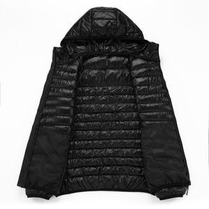 Image 4 - NewBang Marca 8XL 9XL 10XL degli uomini Imbottiture giacca Ultra Luce Imbottiture Uomini Giacca Leggero Della Piuma Con Cappuccio Caldo Portatile Inverno cappotto