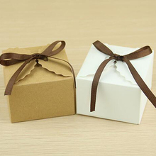 50Pcs Candy Boxes Romantic Kraft Paper Gifts bag for Guests Rustic wedding baby shower favors Package Candy Holder white khaki