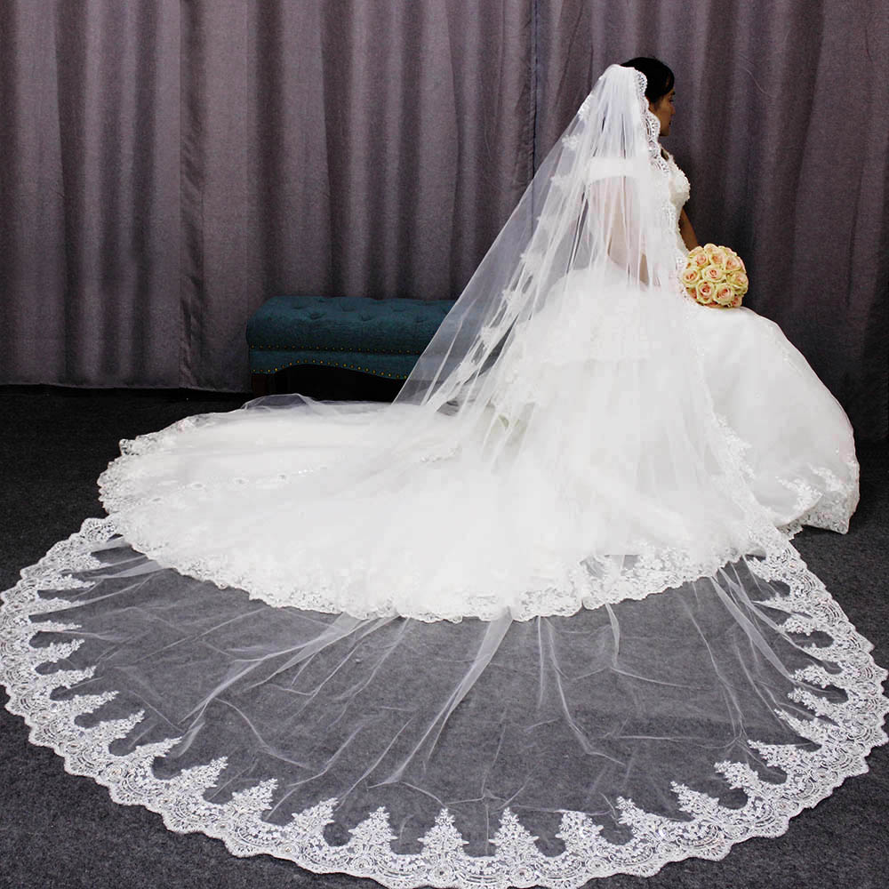 High Quality Glitter Sequins Lace Edge Bridal Veil One Layer 3 M Wedding Veil with Metal Comb Head Accessories for Bride