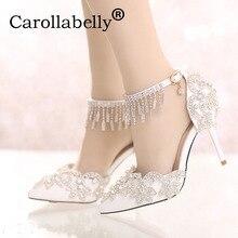Carollabelly أحذية النساء أزياء الزفاف الأبيض مضخات الحلو الأبيض زهرة الدانتيل الكريستال وأشار اصبع القدم عالية الكعب الزفاف الأحذية