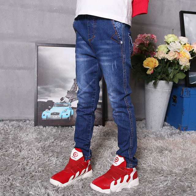 The child of 2016 children in the childrens boys jeans spring elastic pants
