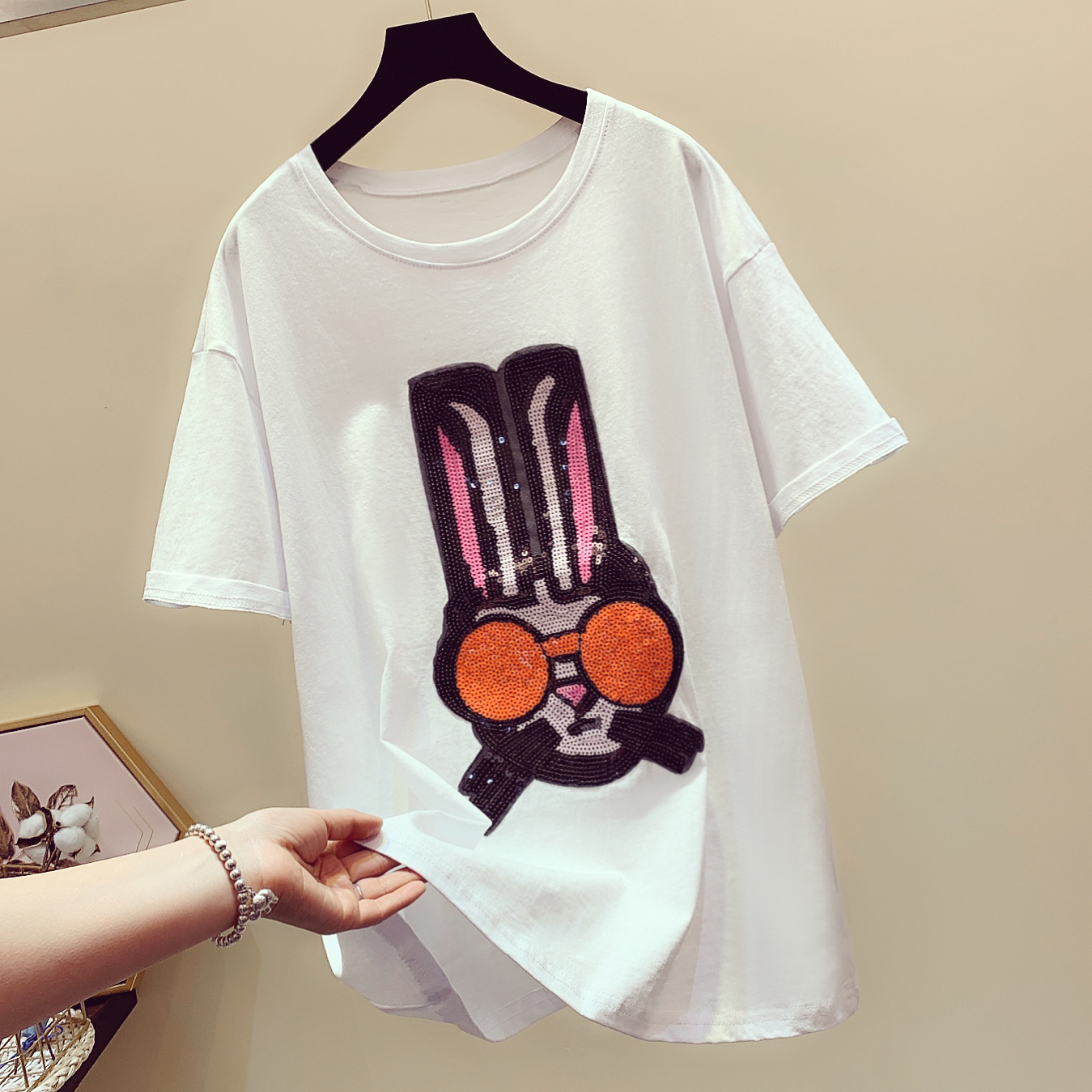 2019 Summer New Fashion Cartoon Pattern Tshirts Womens Tee Sequins Loose Short-sleeved T-shirts Woman