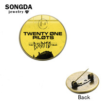 Sanda Twintig Een Piloten Muziek Band Broche Revers Pin Knop Trendy Band Logo Glas Dome Denim Jassen Jas Pictogrammen Badges voor Fans(China)