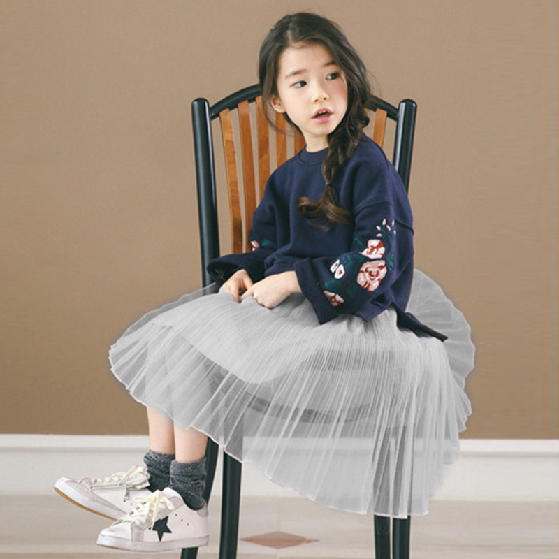 2017 Spring Boutique Baby Girl Pullovers + Puff Skirts Girls Sets Embroidery Long Sleeve Tops Korean Tutu Skirts Suits 2pcs Set puff sleeve peplum top