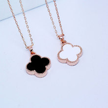 Negro de doble cara de cuatro hojas del trébol collar femenino de oro rosa de regalo de cumpleaños de cadena del diseño corto colgante