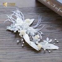 Magnifique blanc plume hairgrips fleur cheveux clips perle front fille fascinateur casque de mariée accessoires de mariage rt074