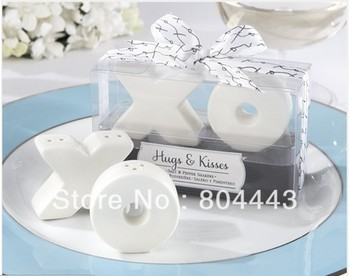 wedding party favor gift and giveaways for guest--Hugs and Kisses XO Ceramic Salt And Pepper Shaker Beach Souvenirs 160pcs/lot