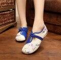 Указал Старый Пекин Цветок Вышитые Женская Обувь Мэри Джейн Плоским Пятки Джинсовые Китайском Стиле natinal Ткань Плюс Размер Женской Обуви