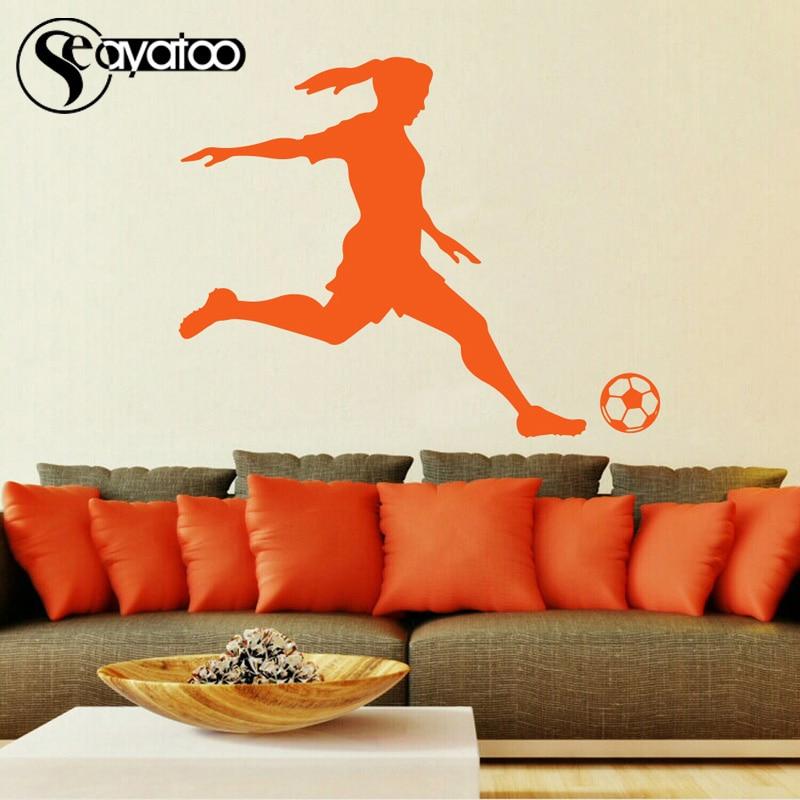 Voetbal Speler Meisje Vrouw Vinyl Muursticker Decal Sport Mural Decor 87x110 cm 2