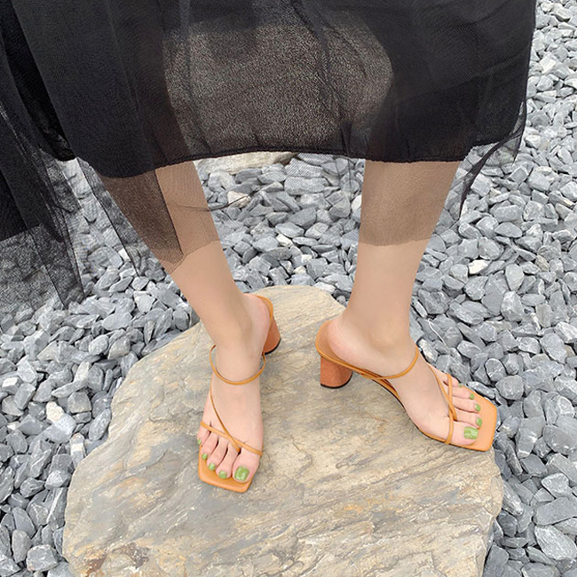 HTB1uhjdbwKG3KVjSZFLq6yMvXXaw MONMOIRA Wood Heel Slipper Women's Sandals Vintage Square Toe Narrow Band High Heel Sandals Women Summer Shoes Women SWC0713