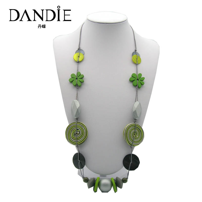 Dandie New Trendy Necklace For Women Of Shell, Flowers And Acrylic With Three Color Design
