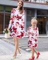 2017 familia Santa a juego de ropa de manga larga de impresión Vestidos de Madre E Hija Familia look Ropa madre e hija vestido