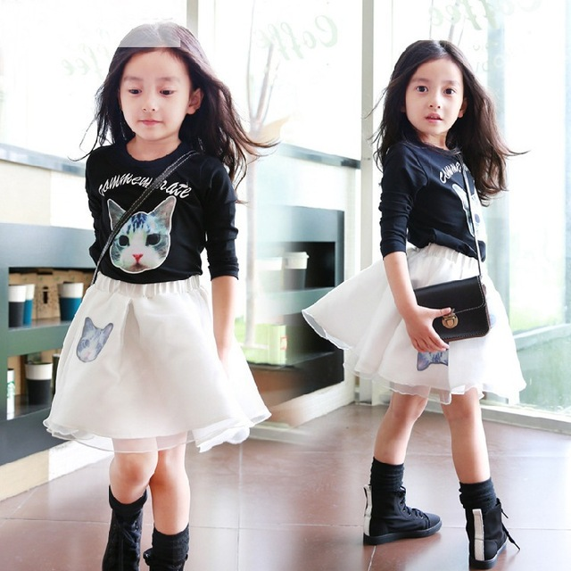 Conjuntos de Roupas meninas 2017 Primavera Gato Dos Desenhos Animados Impresso Menina Roupa Do Bebê Conjuntos T-shirt Pulôver de Manga Comprida + Vestido De Baile De Malha saia