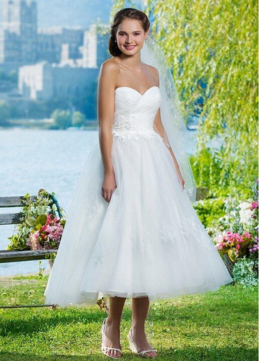 Cheap Ball Gown Wedding Dresses: Cheap White Tulle Sweetheart Lace Tea Length Wedding