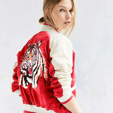 2016 Fashion tiger Embroidery poplin bomber Jacket New Women's satin red baseball Jacket women basic coats jaquetas Tops