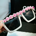 2016 New Arrived Retro sunglasses women Butique Pink Flower Ladies summer beach sun glasses Party Vacation Eye wear UV400