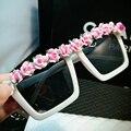 2016 Nova Chegou Retro óculos de sol mulheres Butique Rosa Flor Senhoras da praia do verão óculos de sol Do Partido Férias desgaste do Olho UV400