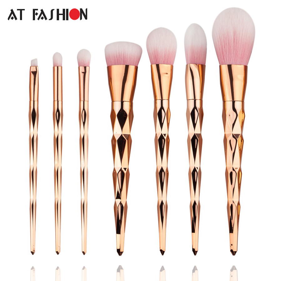 2017 New Makeup brush set Rose Gold Handle Pink Kit Make Up brush 7 Pcs Unicorn Makeup Brushes High Quality pincel maquiagem aquarium liquid glitter brush set mermaid makeup brushes bling bling glitter handle make up brush kit pincel sereia maquiagem