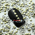 2014 Nuevos Clavos 1000 unids/lote 2mm Lt. Oro Square Chapado Metálico Nail Art Decoración Espárragos Consejos Envío gratis