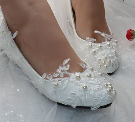 fbc738b3cd79 White lace ivory pearls bridal flats shoes woman female fashion european  style flat heel bridesmaid shoes plus size