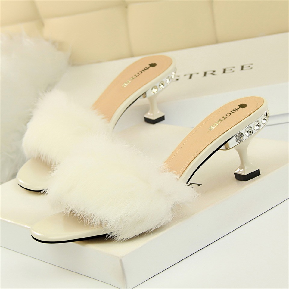 2019 Summer Women 39 s Slippers Fashion Fluffy Fur Decorative Open Toe 6CM High Heel Sandals Women Slippers in Slippers from Shoes