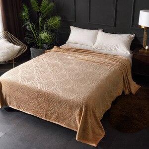 Image 4 - تنقش المرجان الصوف الفانيلا البطانيات ل سرير 300GSM 8 الصلبة الصيف رمي الشتاء غطاء أريكة المفرش البطانيات الدافئة