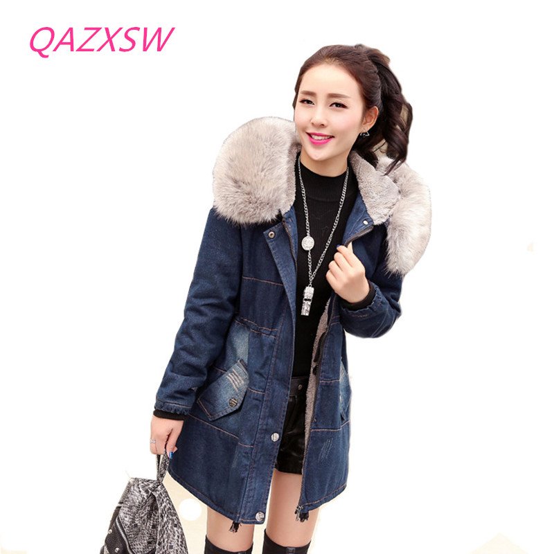 QAZXSW Fashion Casual Denim Jackets Winter Coat Women Faux Fur Hooded Thick Warm Outwear Long Cotton Padded Jeans Parkas ZJ961 qazxsw 2017 new winter cotton coats women hooded jackets slim long parkas for girl thick padded warm casual outwear jacket hb333
