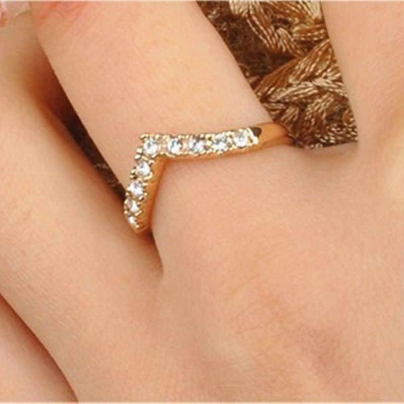 ขายร้อน Elegant GOLD สี Lover งานแต่งงานแหวนออสเตรียคริสตัลแหวน Love แหวนขายส่ง
